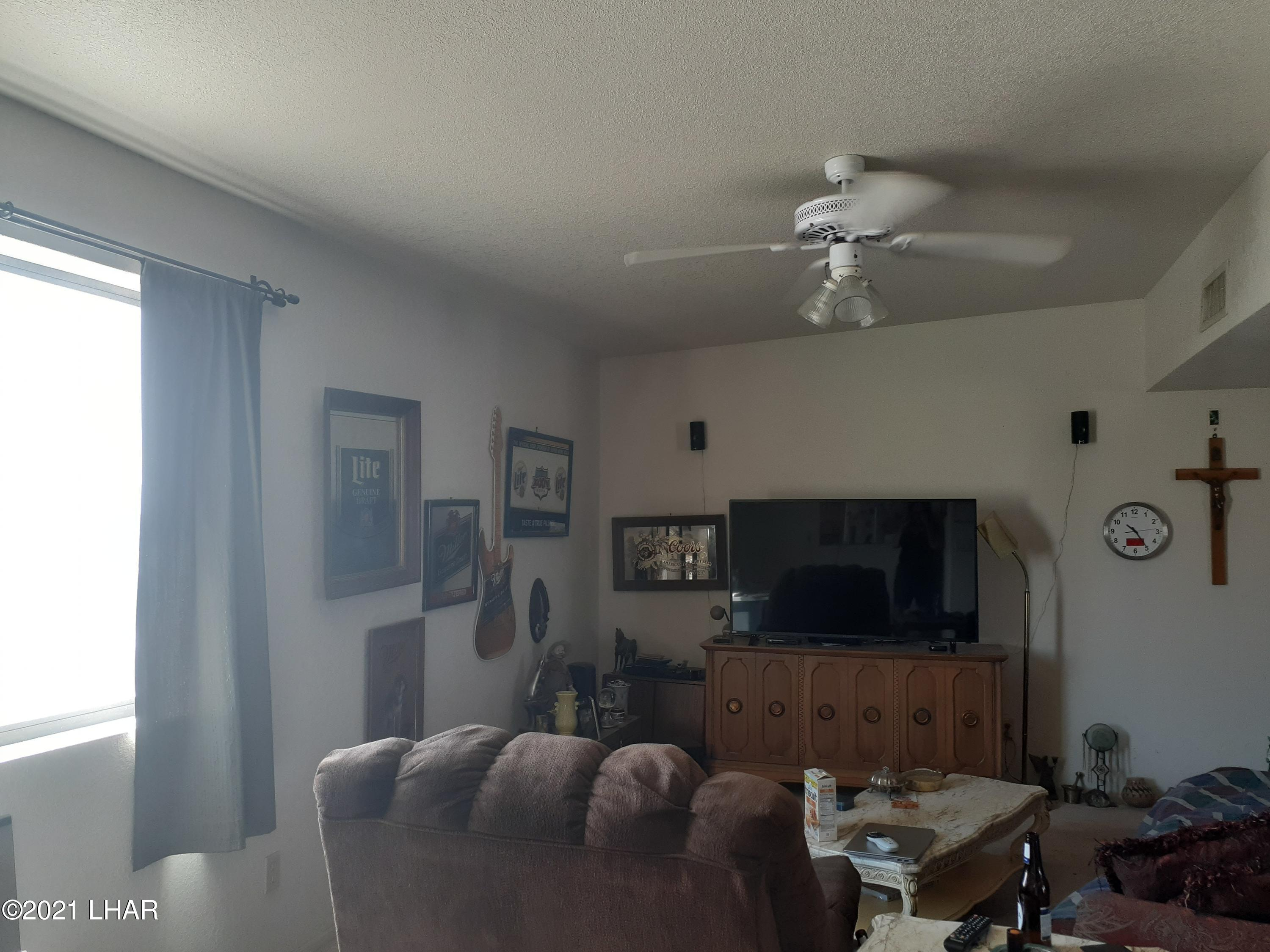 Listing photo id 39 for 920 Lakeside
