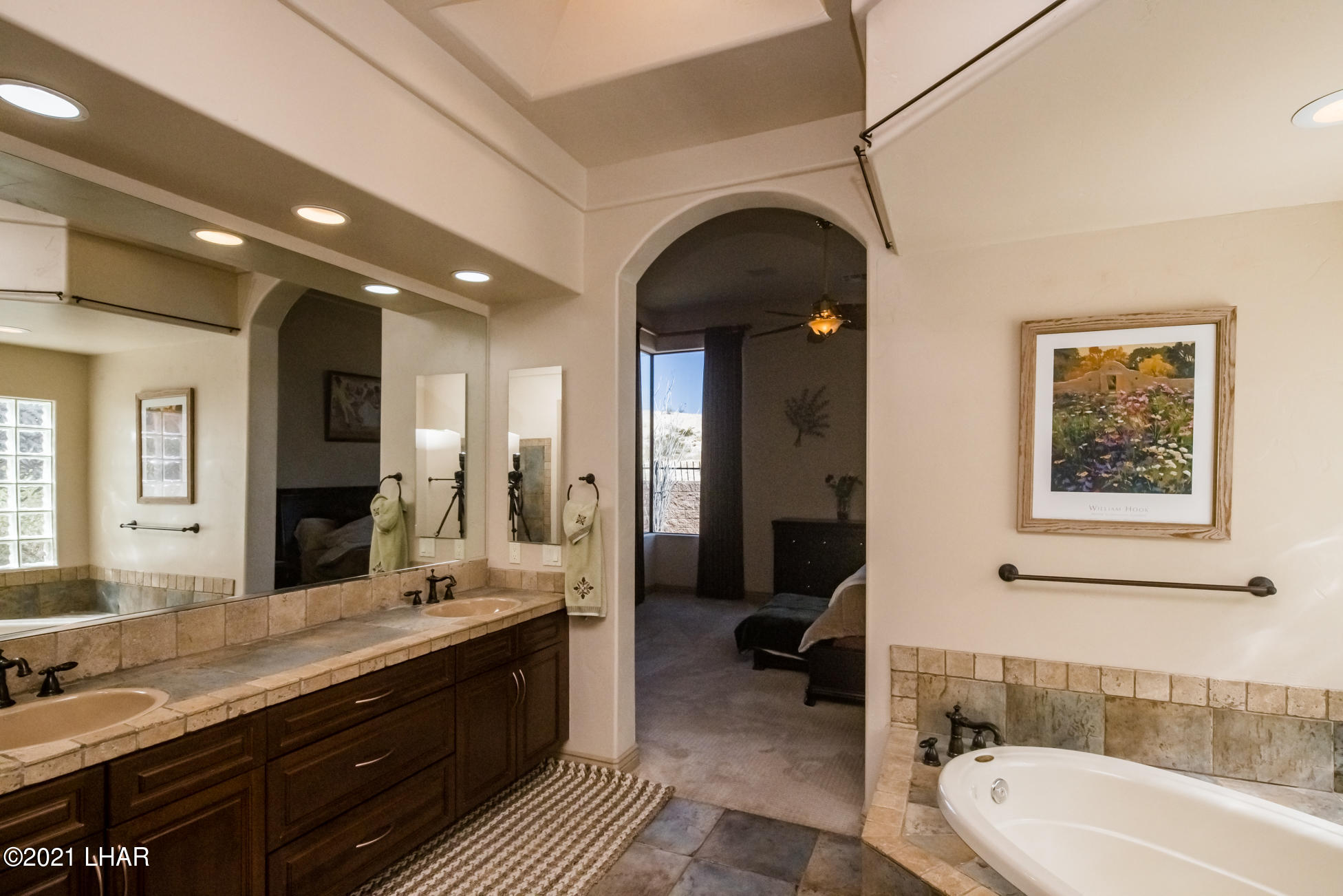 Listing photo id 24 for 1845 Troon