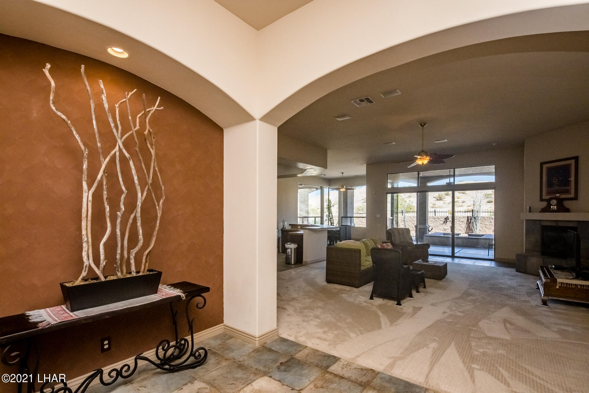 Listing photo id 8 for 1845 Troon