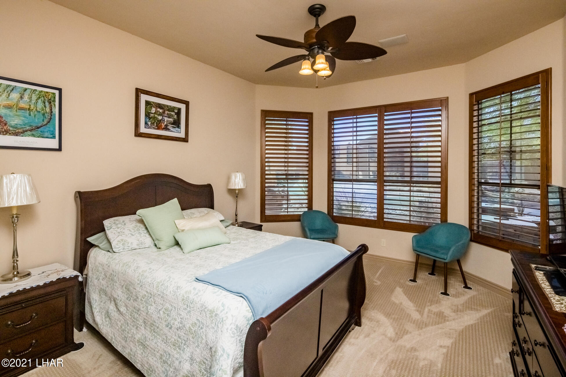 Listing photo id 26 for 1845 Troon