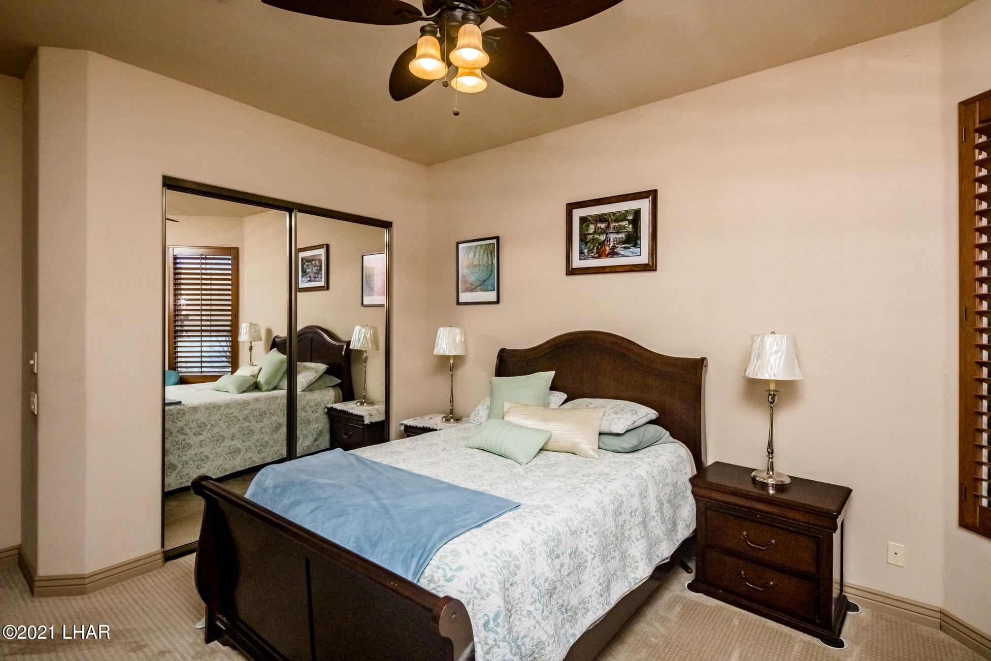 Listing photo id 27 for 1845 Troon
