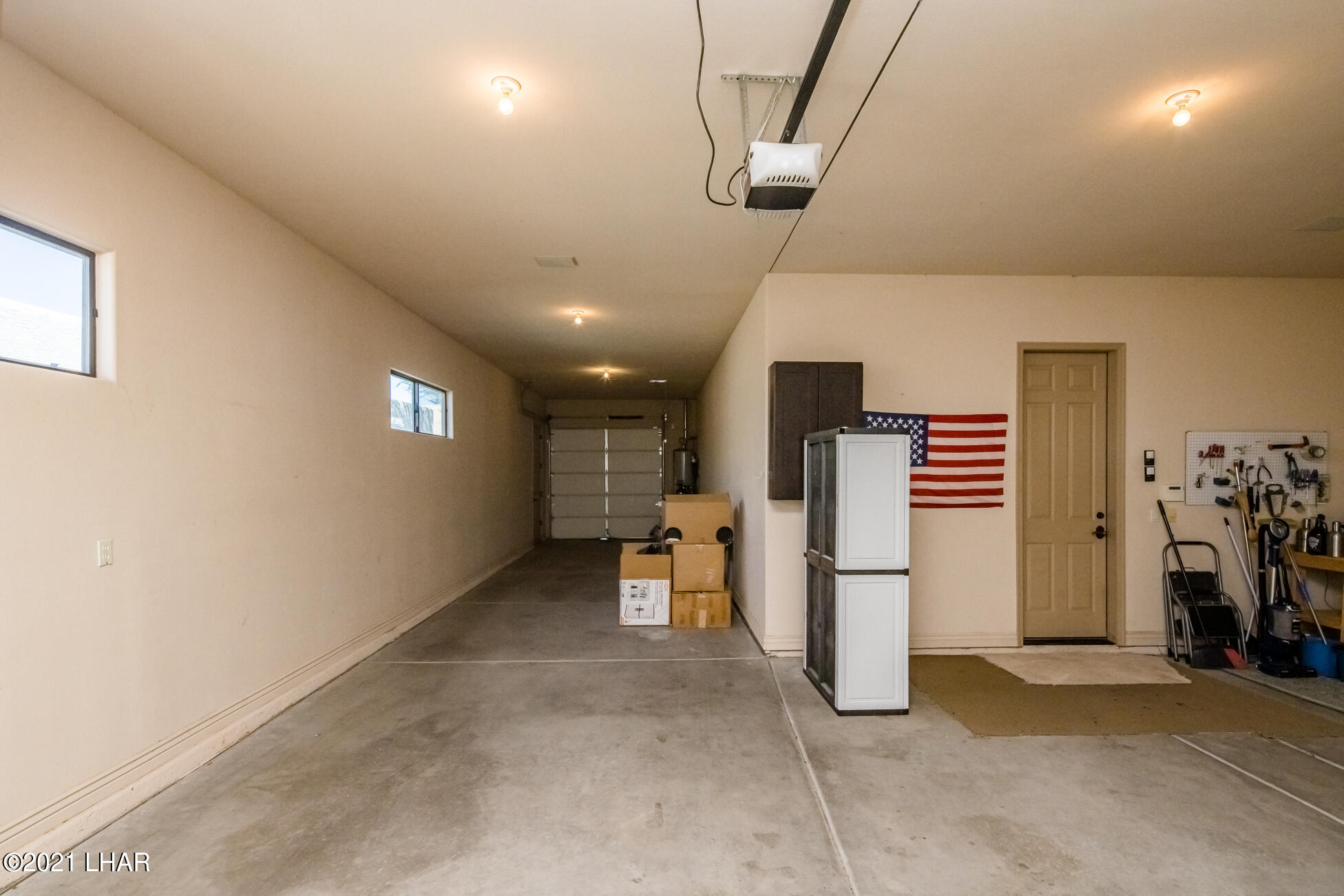 Listing photo id 34 for 1845 Troon