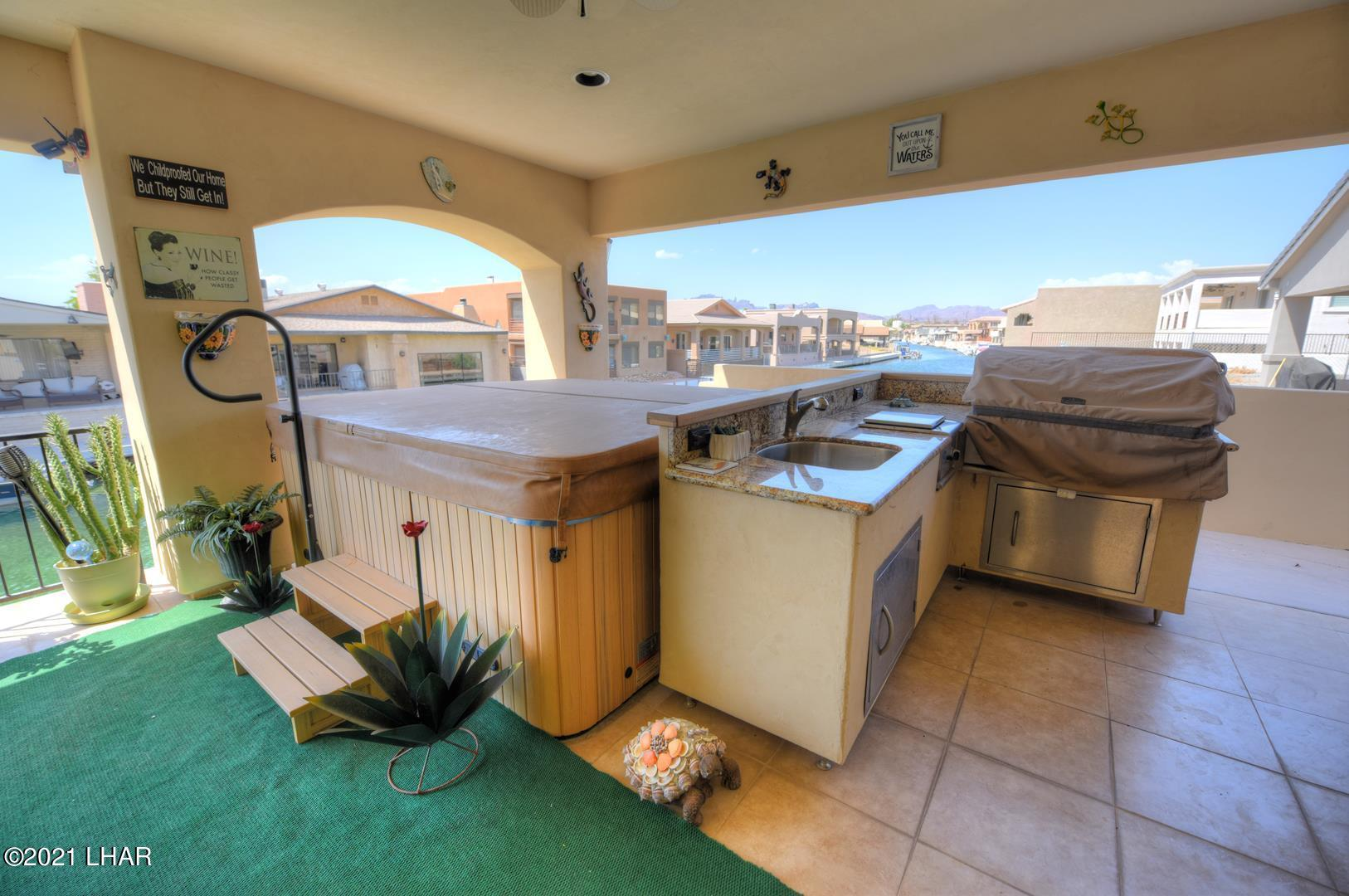Listing photo id 6 for 8930 Riverside
