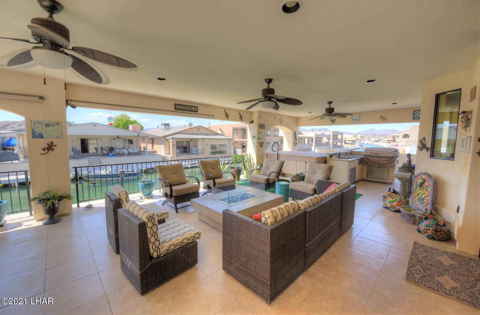 Listing photo id 5 for 8930 Riverside