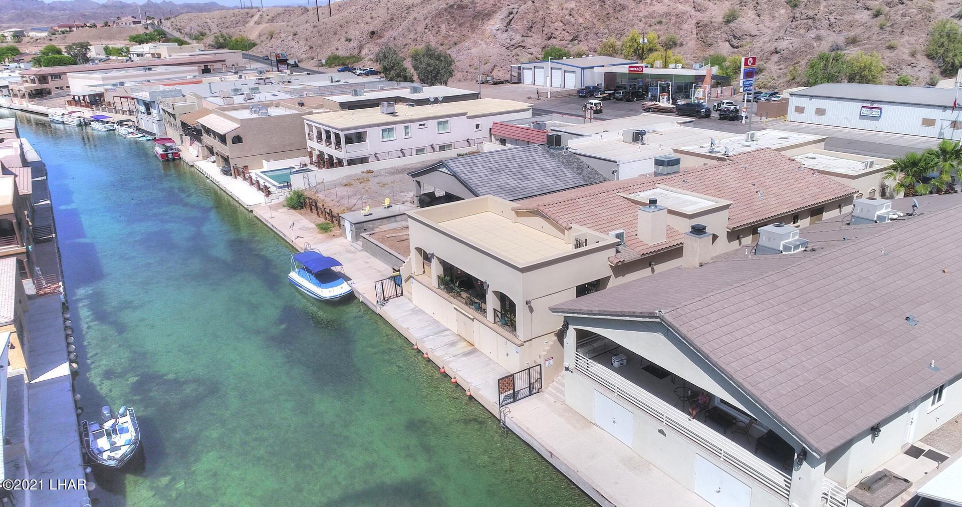 Listing photo id 2 for 8930 Riverside