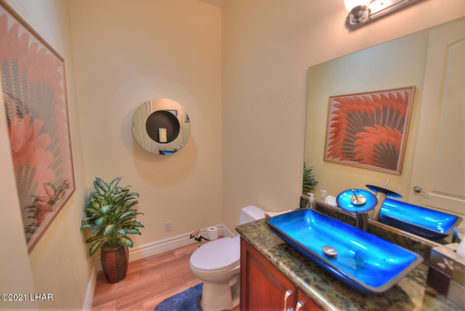 Listing photo id 20 for 8930 Riverside