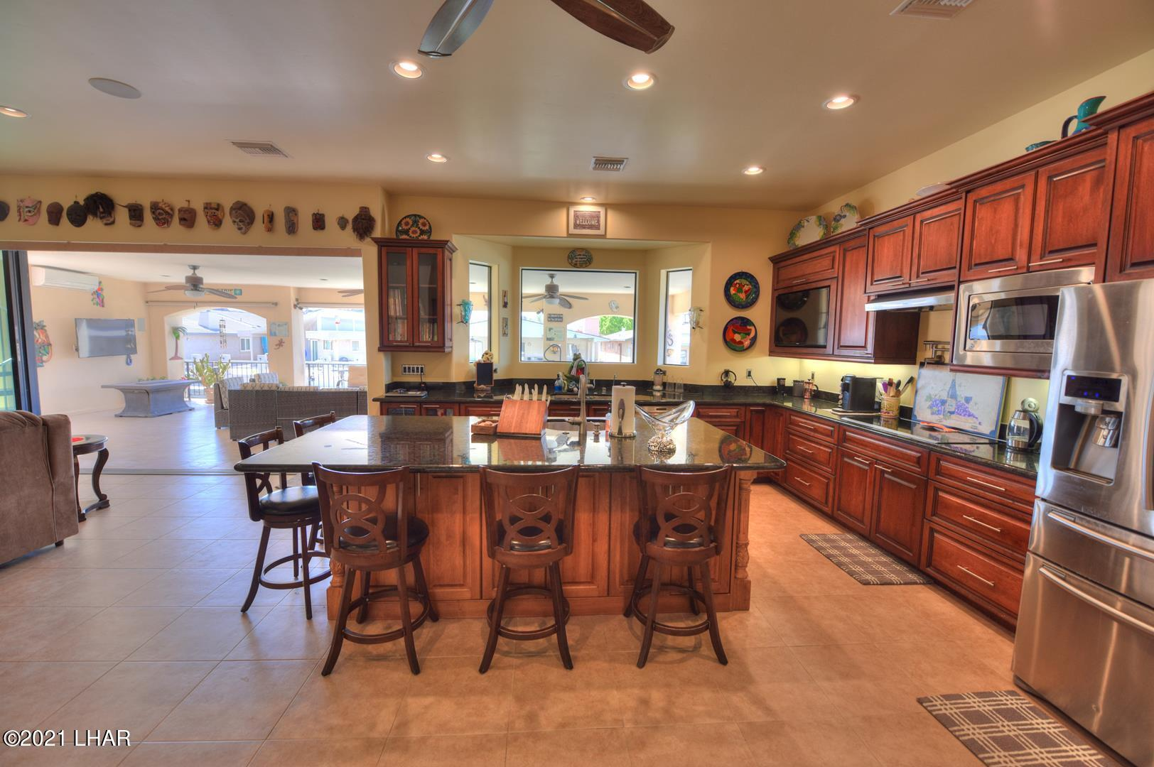 Listing photo id 14 for 8930 Riverside