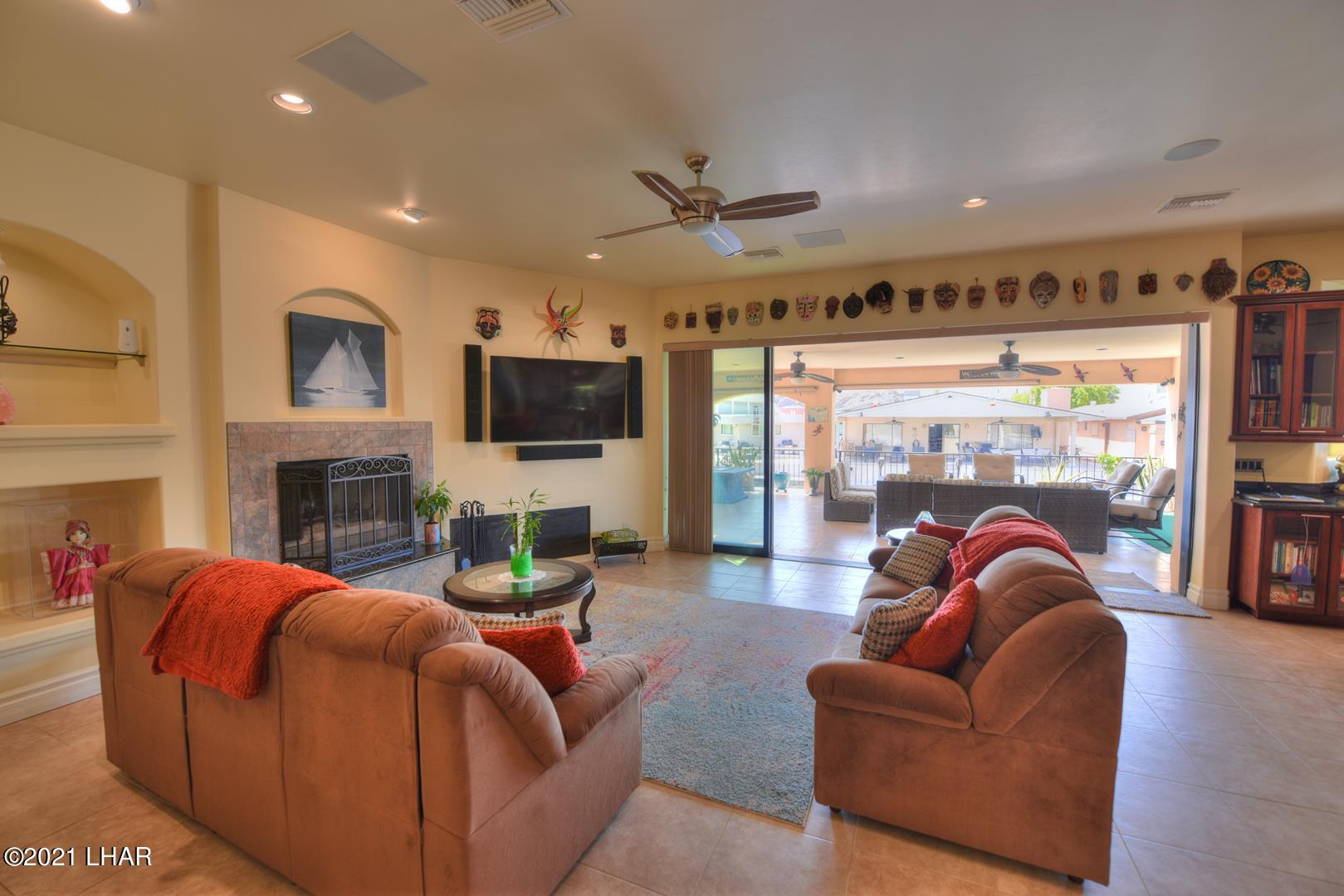 Listing photo id 10 for 8930 Riverside