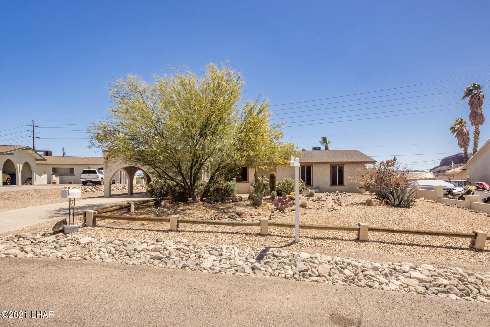 Listing photo id 2 for 3450 Candlewood
