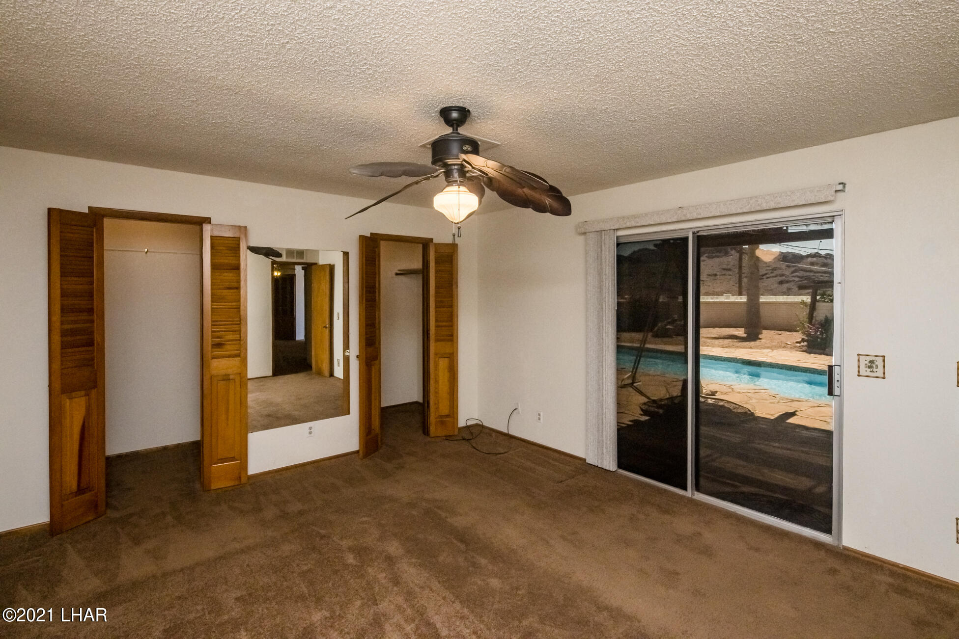 Listing photo id 21 for 3450 Candlewood