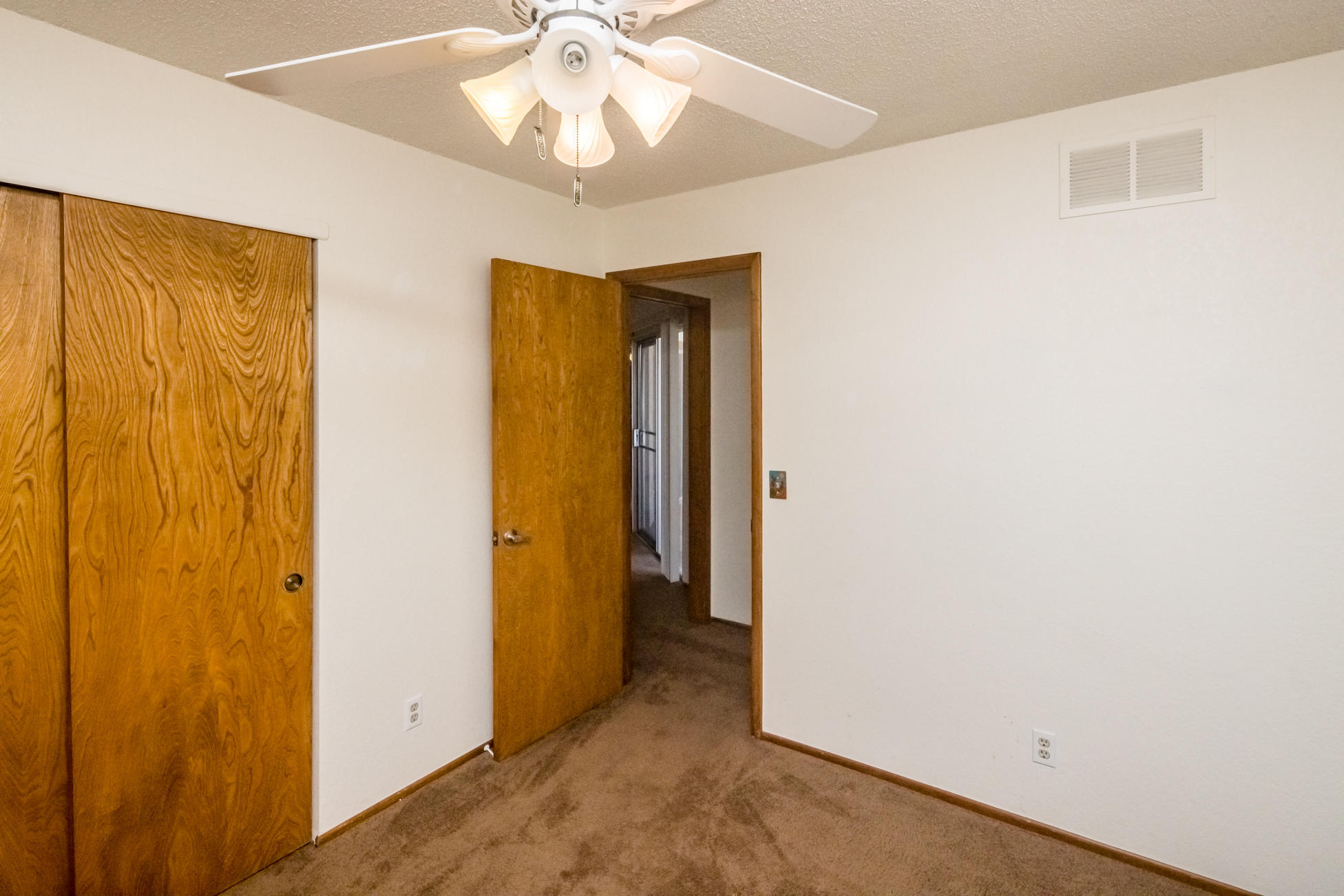 Listing photo id 29 for 3450 Candlewood