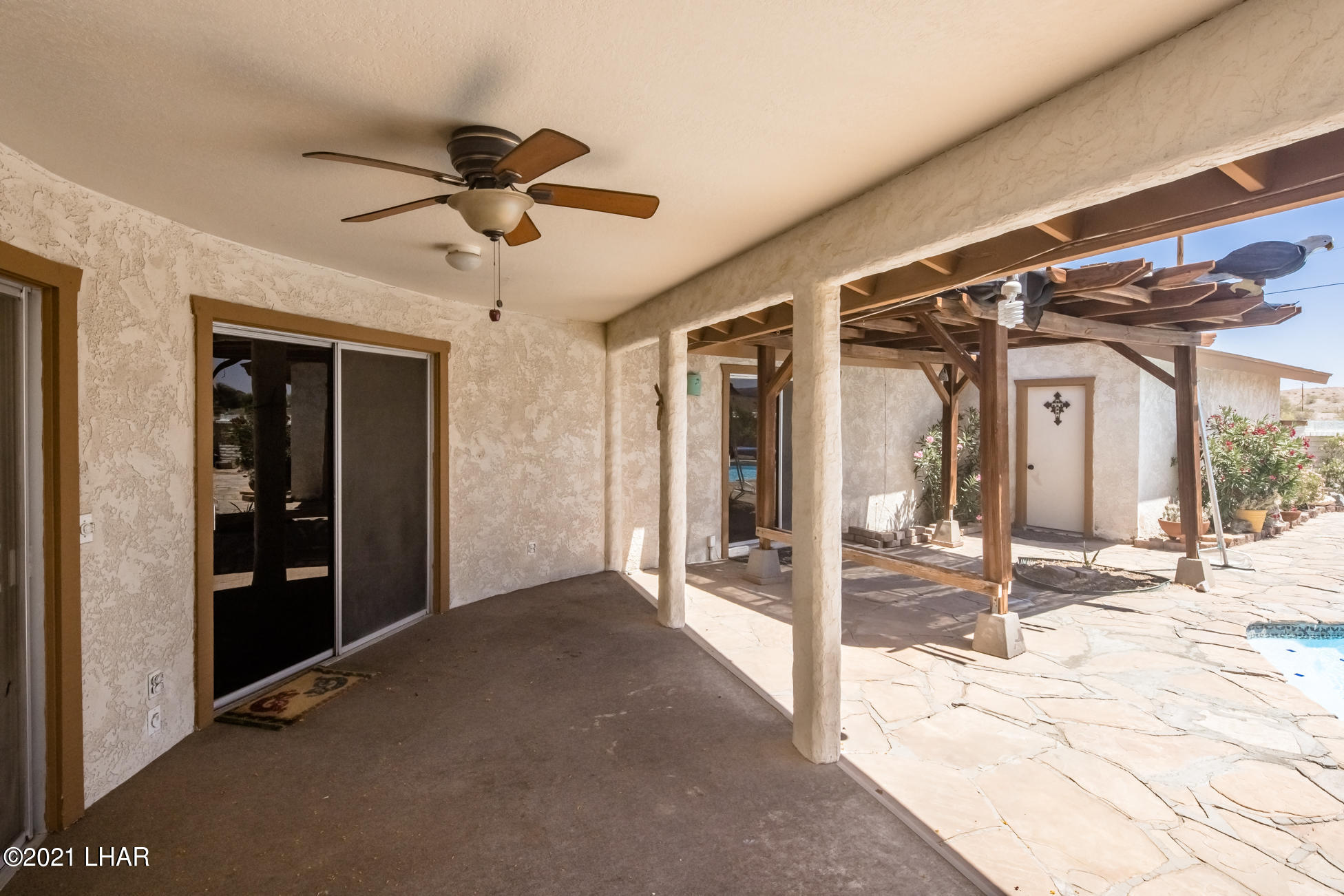 Listing photo id 32 for 3450 Candlewood