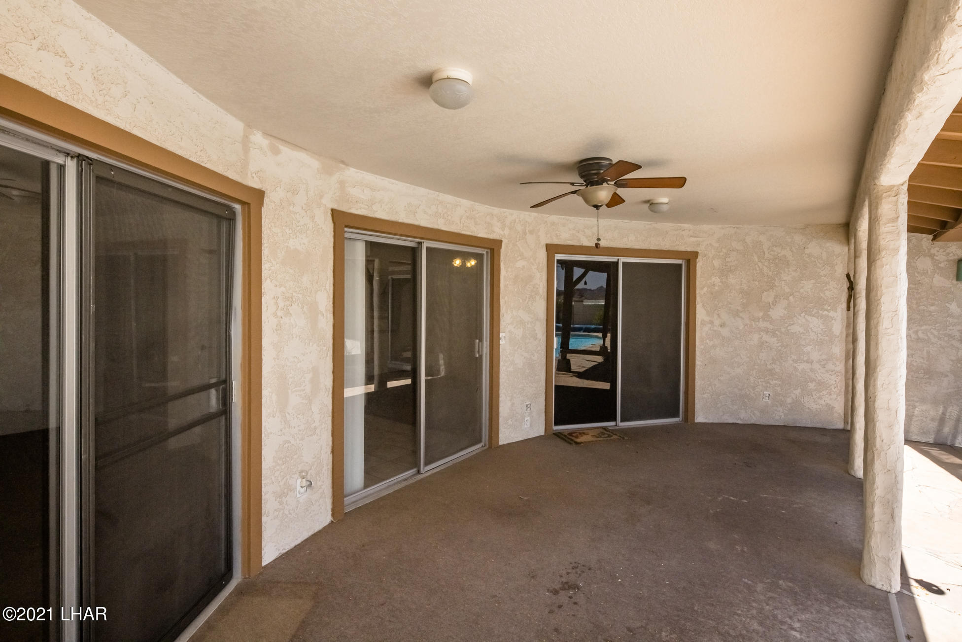 Listing photo id 33 for 3450 Candlewood