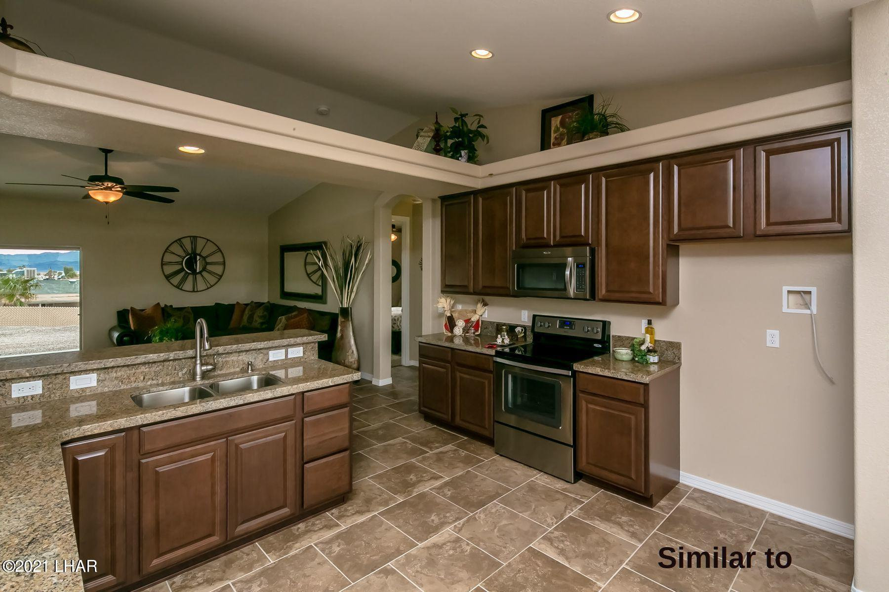 Listing photo id 7 for 2050 Palo Verde N