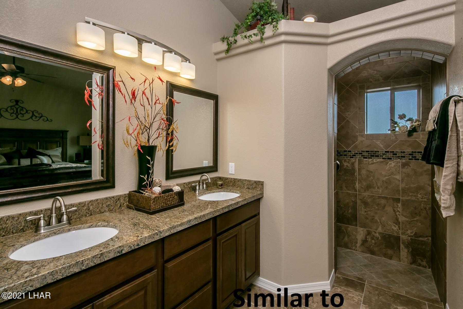 Listing photo id 10 for 2050 Palo Verde N