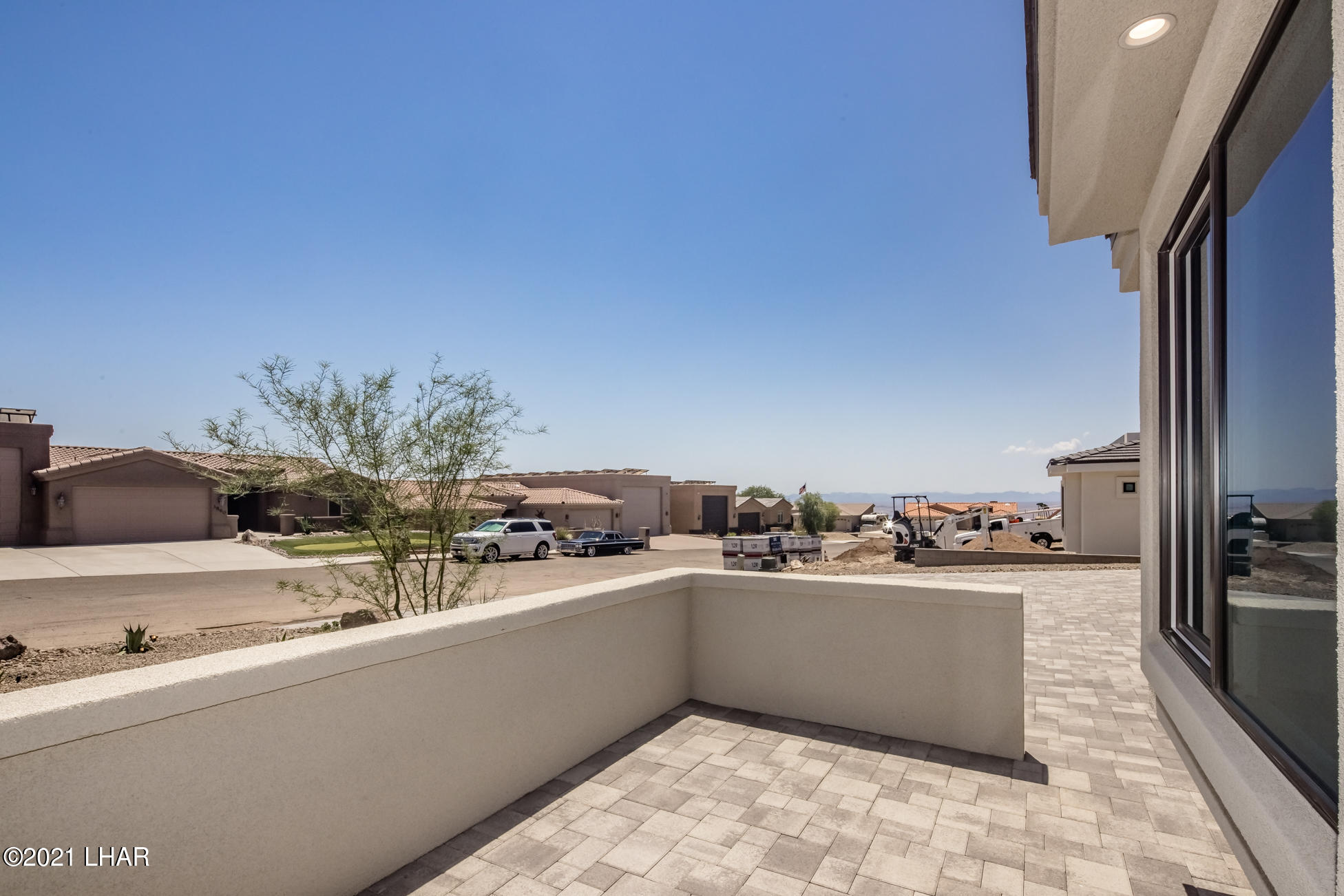 Listing photo id 11 for 3865 Yucca