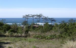1906 Oceanview Dr, Waldport, OR 97394-9563 - Listing Photo
