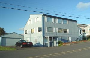 529 & 531 Sw 32nd, Lincoln City, OR 97367 - Listing Photo