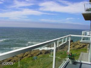 1113 NW Hwy 101 #26, Depoe Bay, OR 97341 - Deck View