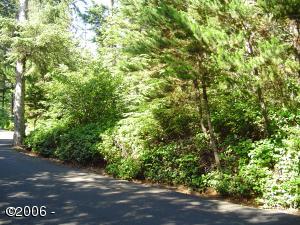 120 (lot) Walking Wood, Depoe Bay, OR 97341 - .37 Treed Lot