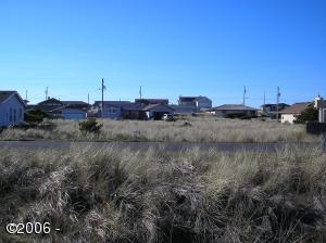 114 NW Alsea Bay Dr, Waldport, OR 97394-9531 - lot from east side