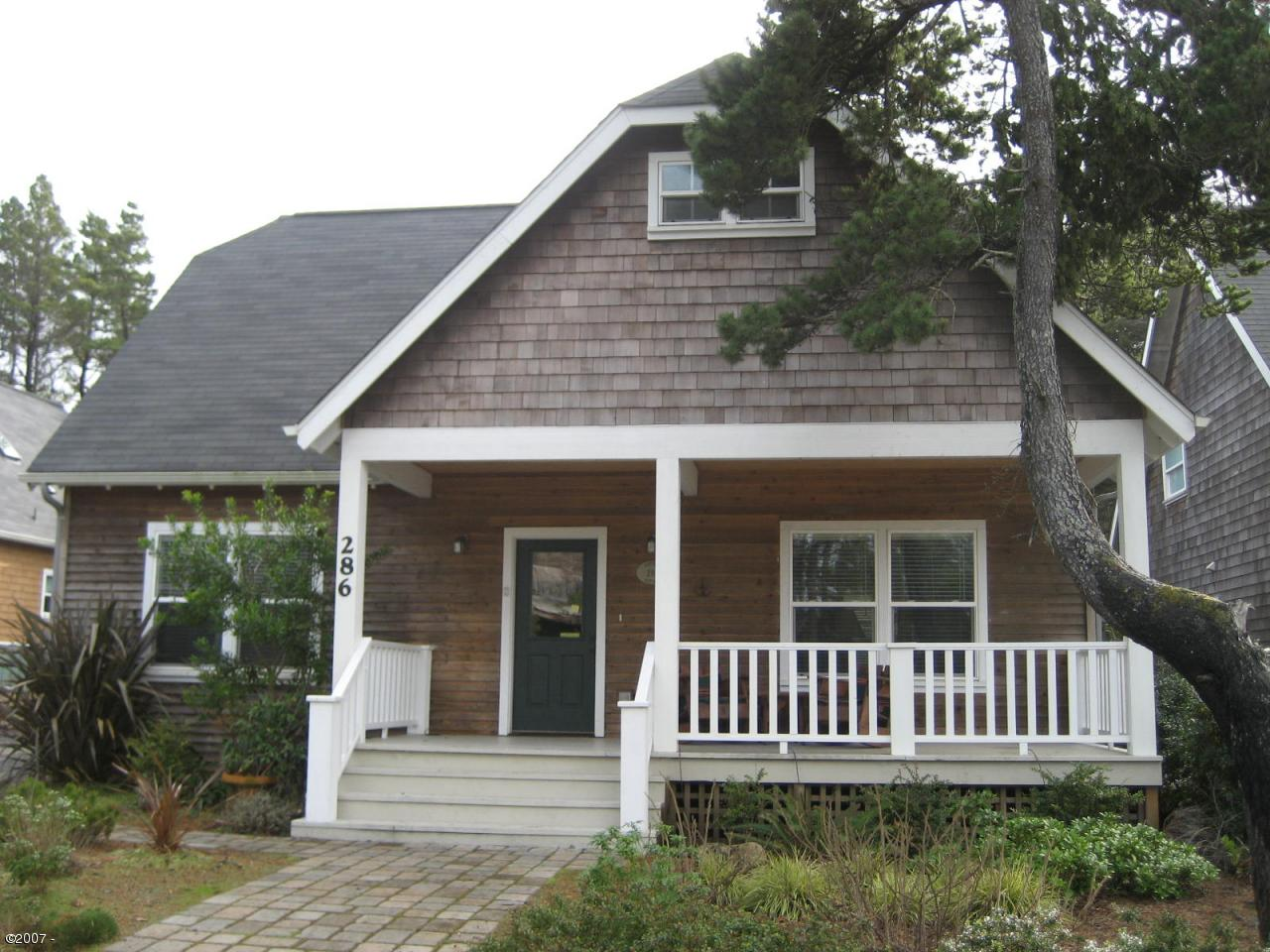 286 #3 Bella Beach Dr, Depoe Bay, OR 97341 - From the Street