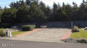 6225 N Coast Hwy Lot  2, Newport, OR 97365 - Lot 2 View from the street
