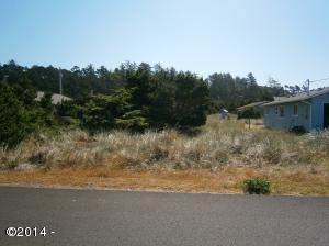 1205 NW Parker Ave, Waldport, OR 97394 - Front of lot