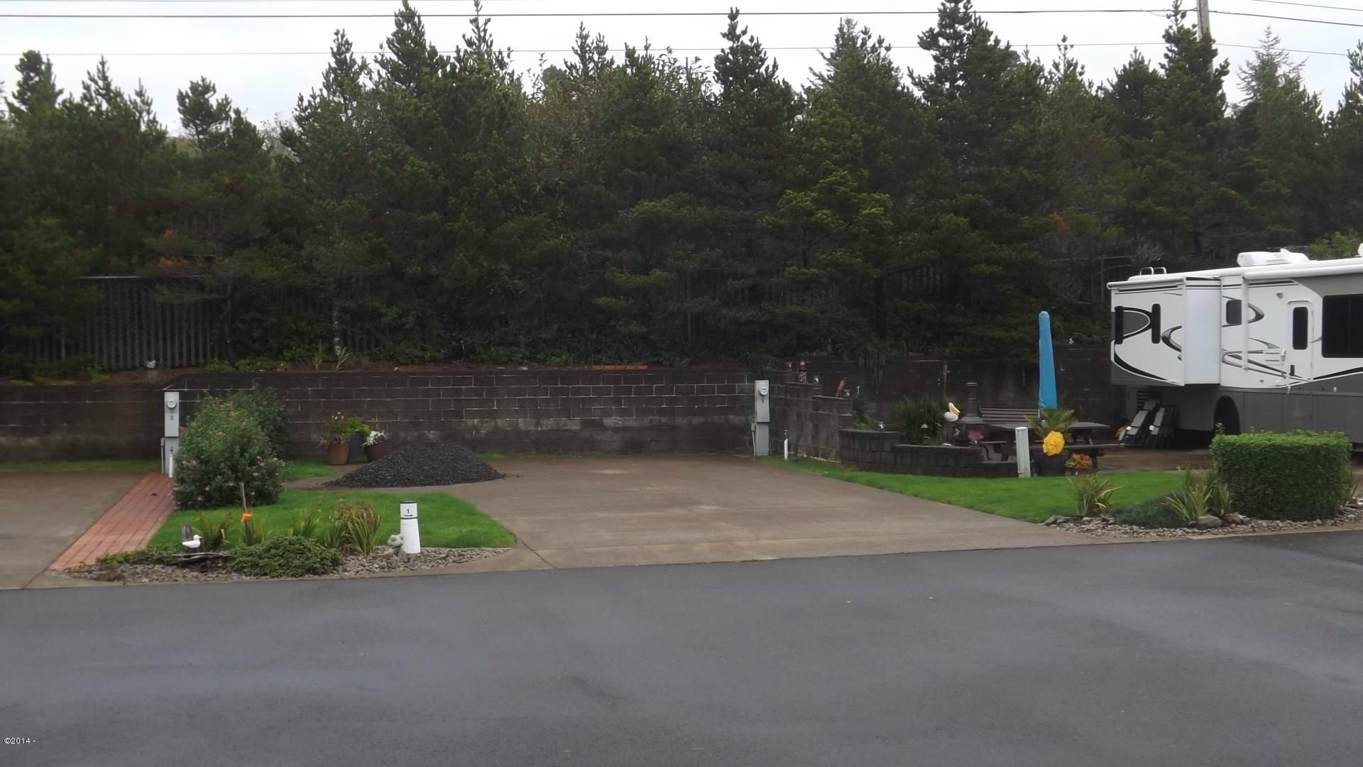 6225 N. Coast Hwy Lot  1, Newport, OR 97365 - Lot 1 View from the street 9-24-14