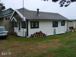 35260 6th St, Pacific City, OR 97135 - vintage cottage