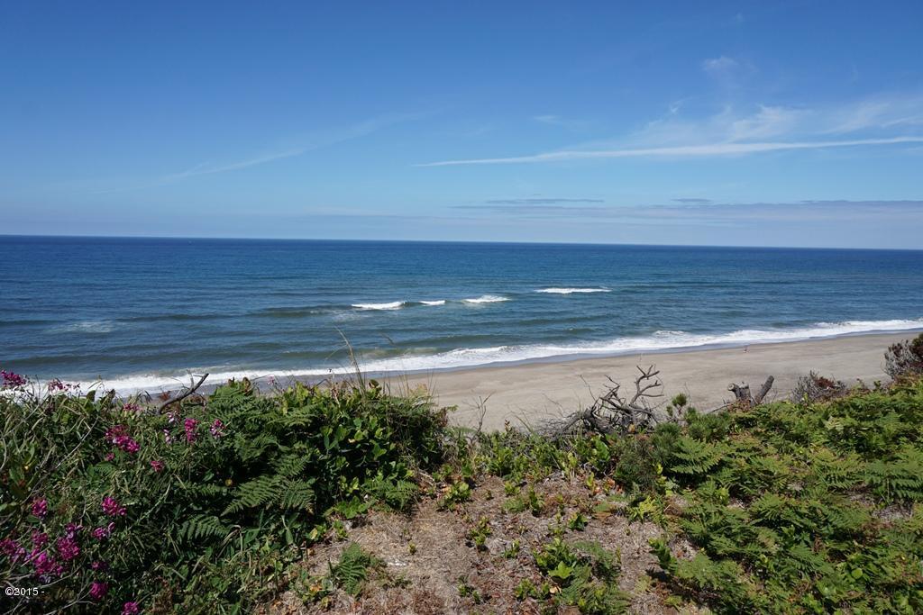 7241 NE Neptune Avenue, Gleneden Beach, OR 97388 - ocean front