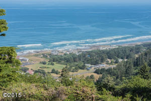 873 HORIZON HILL RD, Yachats, OR 97498