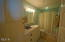 7601 N Coast Hwy, Newport, OR 97365 - Guest Bathroom