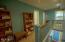 7601 N Coast Hwy, Newport, OR 97365 - Hallway Landing