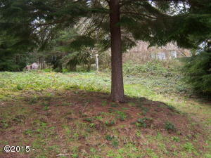 734 NW Highland Dr, Waldport, OR 97394 - front