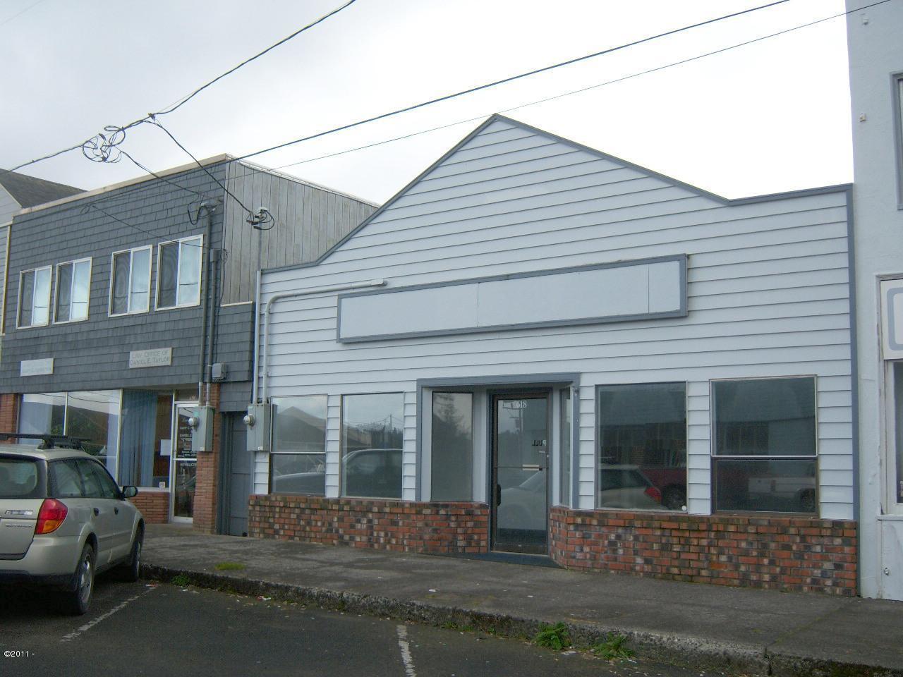 618 SW Hurbert St, Newport, OR 97365 - front