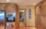 9556 S Coast Hwy, South Beach, OR 97366 - Pantry