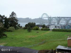 233 SW 27th St, Newport, OR 97365 - site looking north