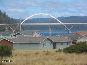 2005 NW Seaview Dr., Waldport, OR 07394