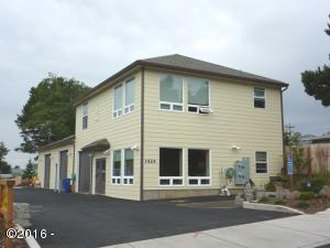1424 SE 9th St, Lincoln City, OR 97367 - Exterior