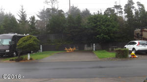 6225 N. Coast Hwy Lot 5, Newport, OR 97365 - Lot 5 View from the street 10-20-16