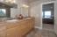 51 Lincoln Shore Star Resort, Lincoln City, OR 97367 - Master Bath - View 1 (1280x850)