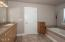 51 Lincoln Shore Star Resort, Lincoln City, OR 97367 - Master Bath - View 2 (1280x850)