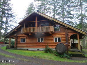 919 Christiansen Rd, Toledo, OR 97391 - Gorgeous Log Home