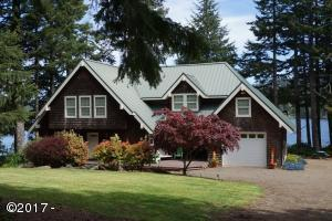2092 NE West Devils Lake Rd, Lincoln City, OR 97367 - Exdterior
