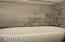11 Alder Ln, Gleneden Beach, OR 97388 - Upstairs Bath - View 2 (850x1280)