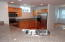 475 SE 35th St, A1, Newport, OR 97366-9824 - Lots of Counter Space