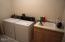 5508 NW Jetty Avenue, Lincoln City, OR 97367 - Laundry