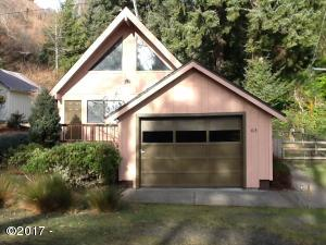 415 SE 4th St, Newport, OR 97365