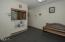 135 SW Strawberry Lane, Waldport, OR 97394 - Clinic - Waiting room 2 (1280x850)